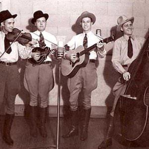 Bill Monroe And The Bluegrass Boys - New Mule Skinner Blues Lyrics
