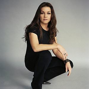 Gretchen Wilson - Not Bad For A Bartender Lyrics