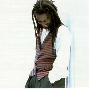 Lucky Dube - Back To My Roots / I've Got You Babe (Live) Lyrics