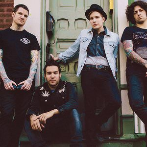 Fall Out Boy - I'Ve Got A Dark Alley And A Bad Idea That Says You Should Shut Your Mouth (Summer Song) Lyrics
