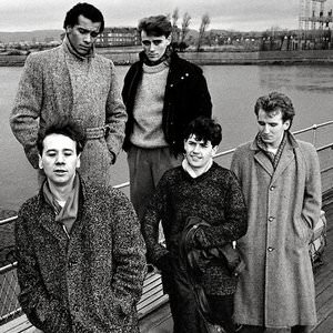 Simple Minds - Belfast Child - 2001 Digital Remaster Lyrics