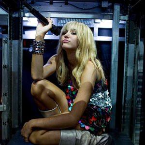 Hannah Montana - Barefoot Cinderella Lyrics