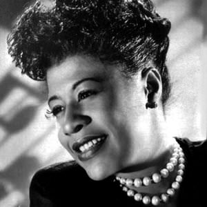 Ella Fitzgerald - Someone To Watch Over Me (2002 Remastered Version) Lyrics