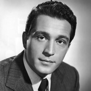 Perry Como - Don't Let The Stars Get In Your Eyes (Bonus Track) Lyrics