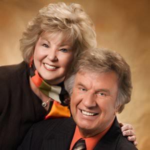 Bill & Gloria Gaither - A Few Good Men Lyrics