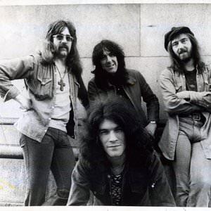 Nazareth - This Flight Tonight (Live At The BBC Paris Theatre) Lyrics