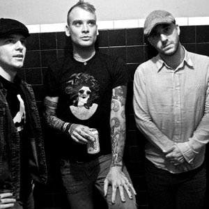 Alkaline Trio - Nose Over Tail (Live) Lyrics