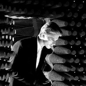 David Bowie - Bombers - In Concert, John Peel, Recorded 3.6.71, 2000 Remastered Version Lyrics