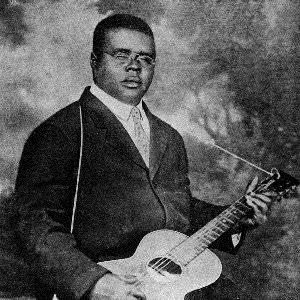 Blind Lemon Jefferson - The Black Snake Moan Lyrics