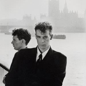 Pet Shop Boys - A New Life (2001 Remaster) Lyrics