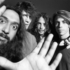 Soundgarden - Live To Rise Lyrics