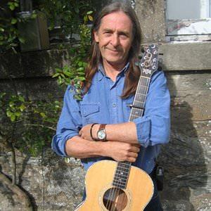 Dougie Maclean - Auld Lang Syne Lyrics