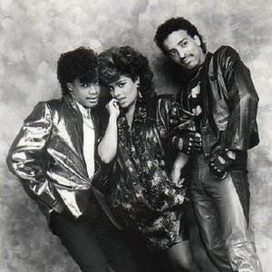 Lisa Lisa & Cult Jam - Let The Beat Hit 'Em (Brand New Super Pumped Up) Lyrics