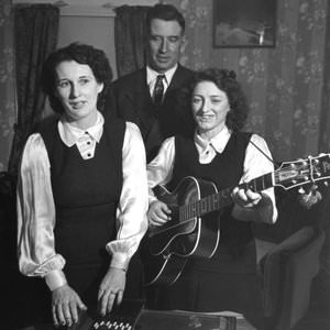 The Carter Family - My Clinch Mountain Home Lyrics